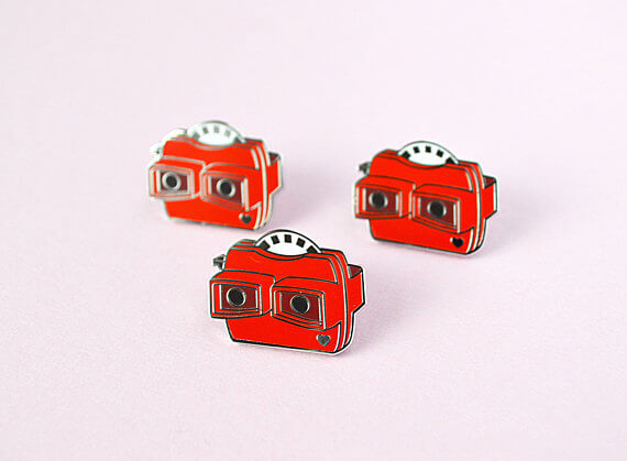 Viewfinder Pin by Red Ribbon Shop